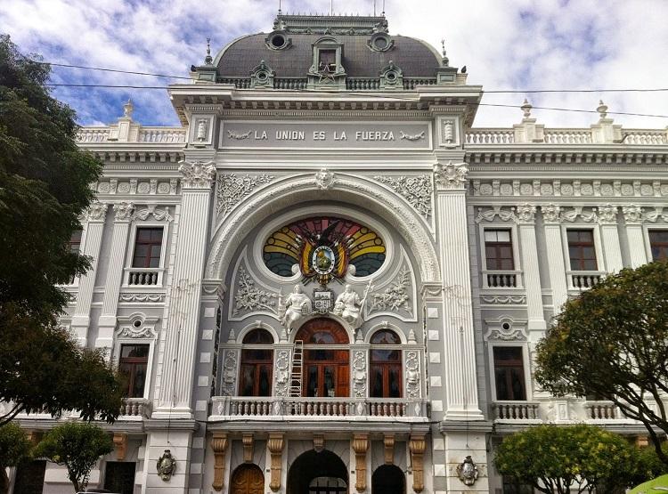 plaza 25 de mayo sucre bolivia