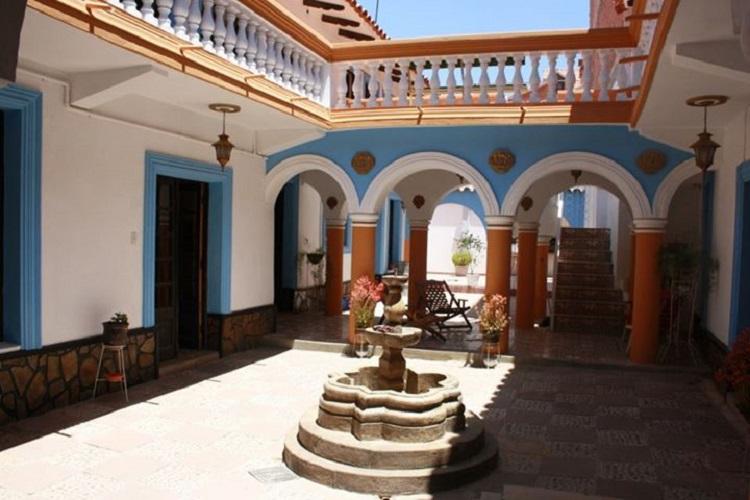 7 Patas Hostel Sucre Bolivia 2